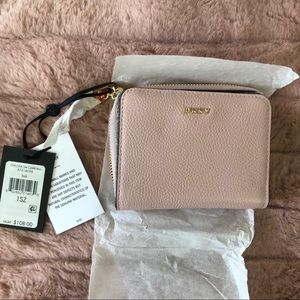 NEW DKNY Small Zip Around Carry All Wallet P03